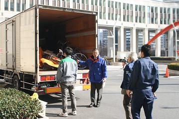 東京都から被災地への援助要員が使用する備品類の輸送